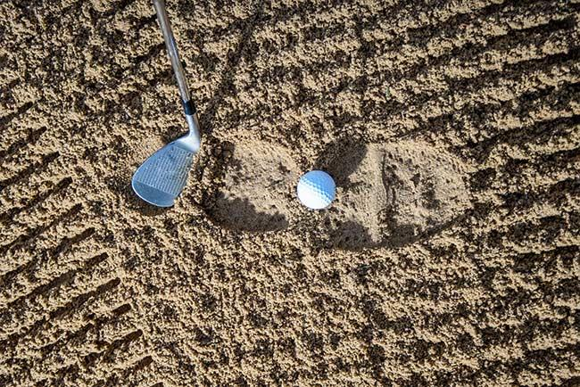 golf-bunker-shot-ball