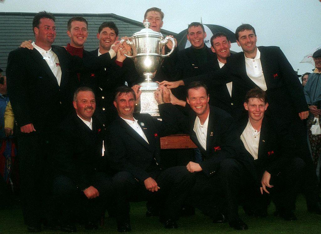 The Great Britain and Ireland Team after winning the Walker at Royal Porthcawl in 1995