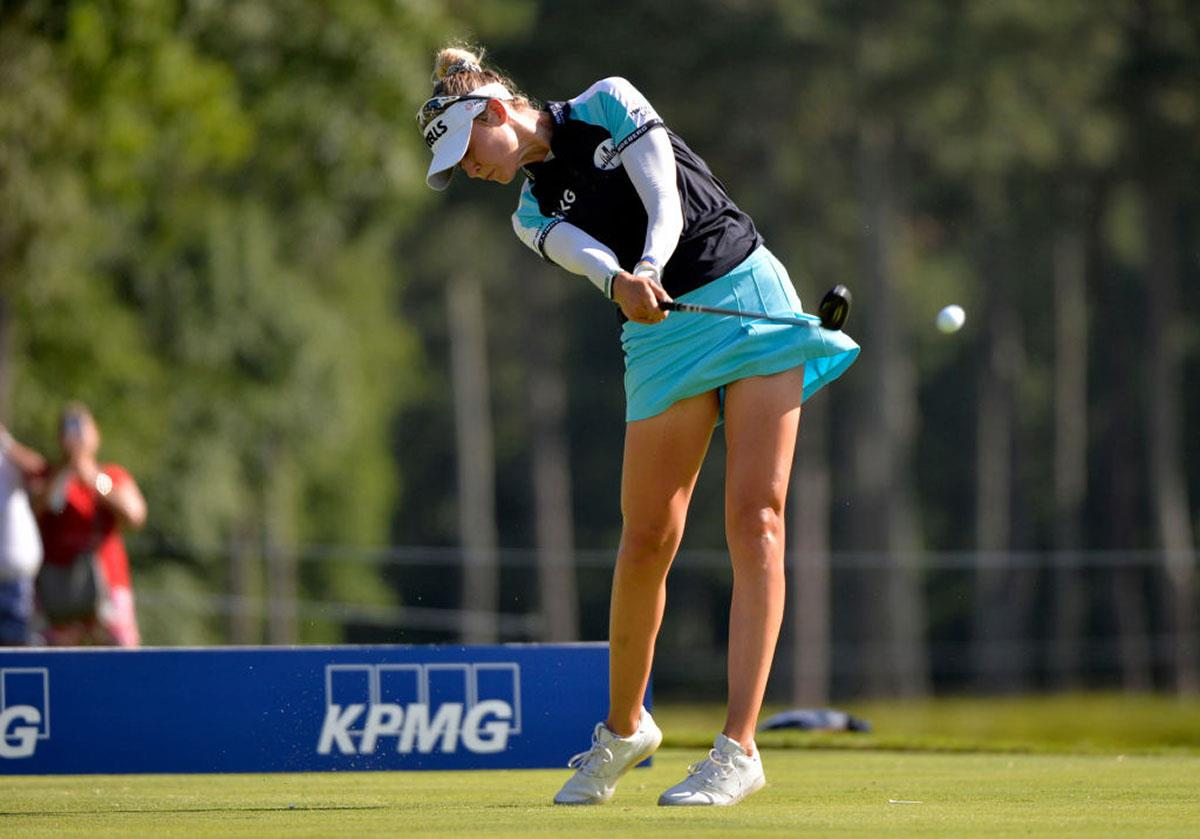 Nelly Korda uses a Titleist TSi1 and PXG Gen2 0317X hybrid.
